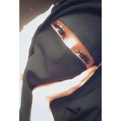 Cute Girl Photo, Beautiful Girl Photo, Beautiful Hijab, Beautiful Girl Image, Beautiful Moon, Beautiful Songs, Hijabi Girl, Girl Hijab, Stylish Girls Photos