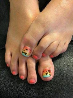 29 ideas for beach pedicure colors palm trees Beach Toe Nails, Beach Pedicure, Pedicure Colors, Summer Toe Nails, Pedicure Nail Art, Toe Nail Art, Pedicure Ideas, Nail Colors, Beach Nail Designs