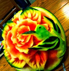 food art with Carl Jones.  Here is a freehand watermelon carving by Carl.  Carved in place, nothing added.