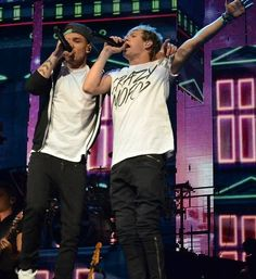 Come on boyz show them dah One Direction Styles