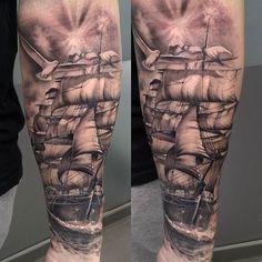 #mulpix Tatuaje en el antebrazo en proceso ambientado en tematica marinera. #tattoovalencia #tatuajevalencia #tattoo #tatuaje #galeon #caravela #shiptattoo #enprogreso #inprogress
