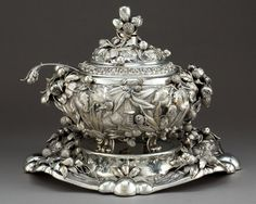 AN ITALIAN SILVER TUREEN WITH COVER, LINER, UNDERTRAY AND LADLE . Unknown maker, Italy, circa 1970. Marks: STERLING, ITALY...