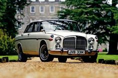Rover P5B V8's look great