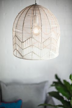 Lace rattan pendant – white wash - All For Decoration Rattan Pendant Light, White Pendant Light, Pendant Lighting, Rattan Light Fixture, Lamp Shades, Light Shades, Diy Light Shade, Diy Lampe, Farmhouse Chandelier
