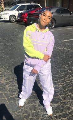for live pins follow ; @victxoriaaa Sporty Outfits, Dope Outfits, Fashion Outfits, Women's Fashion, Tomboy Fashion, Unique Outfits, Looks Instagram, Jogging, Snapchat