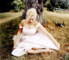 "missmonroes: "" Marilyn Monroe photographed by Sam Shaw, 1957 """