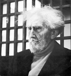 ezra pound.  thank you Penn, for having mp3's of him reading his works from 1939-1970. i am speechless right now.