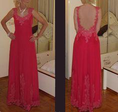 Création; robe de soirée, en crêpe léger et dentelles.