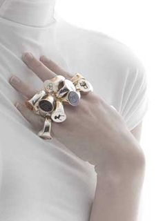 Design Icon Rings by Ted Noten, Dutch designer. Dutch artist of the Year 2012.