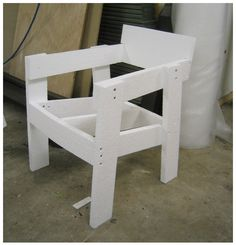 Ineke Hans fracture chair construction plan Pallet Chairs, Pallet Seating, Diy Bank, Chair Bench, Pallets, Wood Projects, Project Ideas, Diys, Woodworking