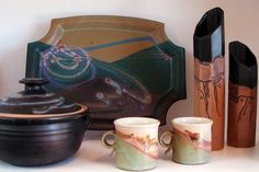 Ocean Annie's Craft Gallery - Jewelry and handmade pottery, both functional and decorative. Featuring the works of over 100 local and national artists with a range of styles. Also offering gourmet coffee beans, one-of-a-kind stationery and local photography. Duck, NC.