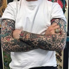 Super Tattoo Old School Men Sleeve American Traditional Ideas Super Tattoo Old School Hombres Manga Americana Tradicional Ideas Trendy Tattoos, Tattoos For Women, Tattoos For Guys, Cool Tattoos, Tattoo Guys, Female Tattoos, Traditional Tattoo Forearm, Traditional Tattoo Woman, Traditional Tattoos