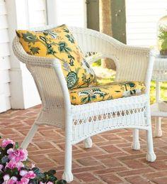 Amazon.com: Lightweight, All-Weather Resin Outdoor Wicker Chair in Green: Patio, Lawn & Garden