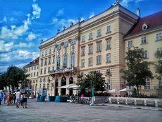 museums quartier / wien / austria / photo by koto serdar bulgu