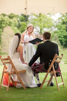 7 non-cheesy wedding readings for long-term couples © london-weddingphotographer.com