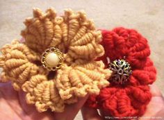 Bullion crochet flower brooch with chart and video