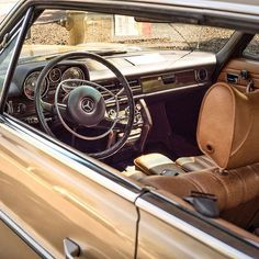 There's #hardtop, there's #convertible, and then there's #pillarless. #Mercedes #250c #w114