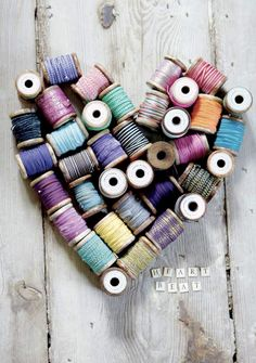 Heart Beat :: Love old thread spools. Wooden Spool Crafts, Wooden Spools, I Love Heart, Happy Heart, Sewing Crafts, Sewing Projects, Diy Crafts, Thread Spools, House Doctor