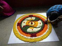 Easy Rangoli Designs Diwali, Rangoli Designs Latest, Rangoli Designs Flower, Free Hand Rangoli Design, Rangoli Ideas, Colorful Rangoli Designs, Rangoli Designs Images, Flower Rangoli, Simple Rangoli