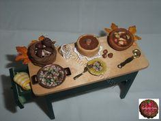 tavolo autunnale in scala 1:12, cibo in pasta polimerica.