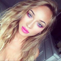 make up blonde