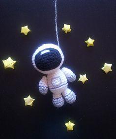 Astronaut. PDF file amigurumi crochet pattern. by CitrouilleWorld
