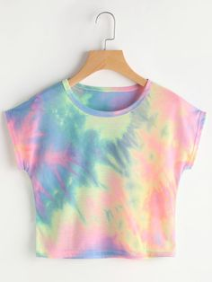 To find out about the Rainbow Ombre Hooded Crop Top at SHEIN, part of our latest Tank Tops & Camis ready to shop online today! Summer Crop Tops, Cute Crop Tops, Summer Shirts, Summer Vest, Casual Summer, Spring Summer, Crop Shirt, Cropped Tank Top, Crop Tank