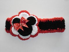 Items similar to Minnie Mouse Crocheted Headband,Flower, Pearl, Photo Prop on Etsy Baby Girl Crochet, Crochet Baby Hats, Crochet For Kids, Free Crochet, Knit Crochet, Head Wrap Headband, Knitted Headband, Crochet Headbands, Crochet Crafts