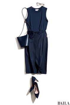 紺のワントーンコーディネートは、簡単にきちんと感がでる優秀さが魅力。今季らしくトップスをインしたタイトスカートスタイルなら、ウエスト位置が高くなり脚長効果が。トップスをタイトなノースリーブにすれば、さらに縦感が強調され美スタイル見せが叶います。アフター6に予定があるなら、足元はヒ・・・ Girl Fashion Style, Love Fashion, Plus Size Fashion, Fashion Looks, Womens Fashion, Capsule Outfits, Fashion Capsule, Office Fashion, Business Fashion