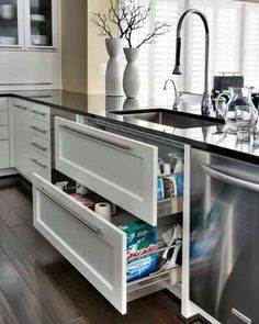 Drawers instead of cupboards, nice