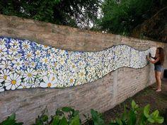 Mosaic Daisy Mural - art by FJ Mosaic Art (Fernanda Jaton);  in Moreno, BA, Argentina