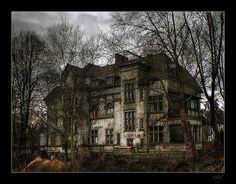 https://flic.kr/p/4mDNCr | Villa Bochum-Werne | Ancient mansion in Bochum-Werne, Germany -----