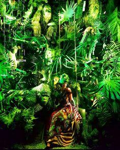 "BERGDORF GOODMAN, New York, ""Come play in my jungle"", pinned by Ton van der Veer"