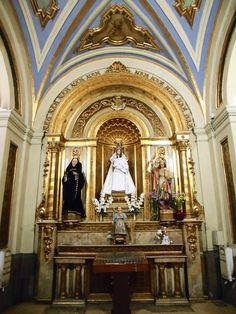 Altar de la Virgen de la Candelaria. La imagen es una recreación de la desaparecida en el incendio de 1964 y fué realizada por Federico Coullaut-Valera Mendigutía
