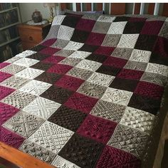 Crochet blanket pattern patchwork squares Ideas for 2019 Baby Knitting Patterns, Afghan Crochet Patterns, Baby Patterns, Quilt Baby, Baby Quilts To Make, Easy Quilts, Sunburst Granny Square, Granny Square Blanket, Stitch Crochet