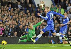 Schurrle scores for the first goal Chelsea 2-1 win Man City.