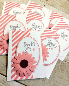 Good Morning and happy Monday! Today I'm sharing a few customer thank you cards that I will be slipping into my catalogs that I'm mailing off! Sweeeet! They are super cute and so quick and easy to m