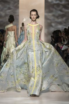 This is breathtaking - I love the colors and the print.  Georges Chakra Couture Spring Summer 2015 Paris - NOWFASHION