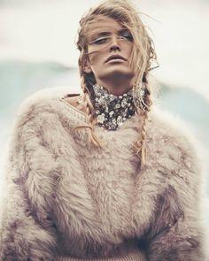 Reina de las Nieves by Andreas Ortner for Vogue Spain November 2014 13