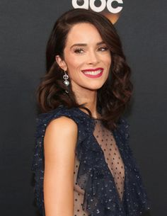 Zoom In on All the Elegant Beauty Looks From the Emmys Red Carpet Abigail Spencer