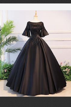 On Sale Cute Black Lace Prom Dresses, Lace Prom Dresses, Prom Dresses Black, Prom Dresses Long Cute Prom Dresses, Black Prom Dresses, Pretty Dresses, Beautiful Dresses, Indian Gowns Dresses, Indian Fashion Dresses, Indian Wedding Gowns, Designer Party Wear Dresses, Designer Evening Dresses