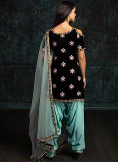 Black and Mint Velvet Punjabi Suit – Lashkaraa punjabisalwarsuits Simple Pakistani Dresses, Indian Dresses, Indian Outfits, Indian Clothes, Designer Punjabi Suits, Indian Designer Wear, Velvet Suit Design, Suits For Women, Clothes For Women