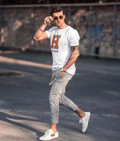 Magical channeled men's fashion classy find out here now Mens Fashion Blog, Fashion Hub, Fashion Blogger Style, Street Fashion, Parisian Fashion, Fashion Menswear, Bohemian Fashion, Fashion 2018, Daily Fashion