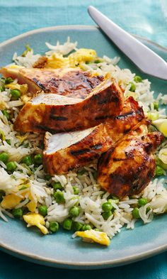 Everyone knows fried rice is a quick dinner, but add a honey-soy-citrus griddled chicken breast that's tender and juicy and you've got a deluxe dinner in 20 minutes. Slow Cooker Recipes, Cooking Recipes, Vegetarian Recipes, Healthy Recipes, Have Time, Family Meals, Chicken Recipes, Dinner Recipes, Good Food