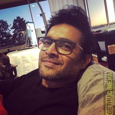 R Madhavan's recent goofy video is too cute to handle. - Oh sweet Lord! R Madhavan can make you go weak in the knees even when he is being goofy - watch video Madhavan Actor, R Madhavan, Weak In The Knees, Sweet Lord, New Gossip, Indian Celebrities, Watch Video, Straight Hairstyles, Cinema