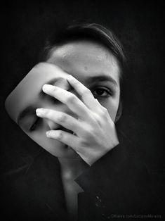 Removing the mask | Fotografia de Luciano Moreira | Olhares.com