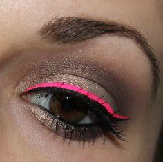 {Eyes} Stargazer Neon Liquid Eyeliner neon pink