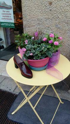 comodità e moda calzature Melluso .....coccola il tuo piede con le calzature adatte.....