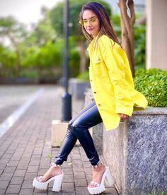 Teen Girl Poses, Cute Girl Poses, Cute Girl Photo, Teen Celebrities, Indian Celebrities, Celebs, Stylish Girls Photos, Stylish Girl Pic, Lovely Girl Image