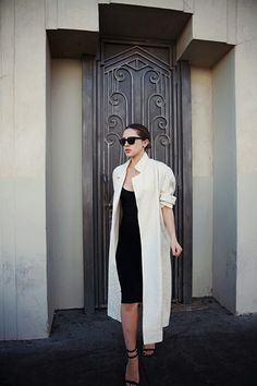 Spring Outfits 2014, Spring Summer Fashion, Karla Deras, Trench Coat Outfit, Tube Top Dress, Latest Street Fashion, Women's Fashion, Dress To Impress, Street Style